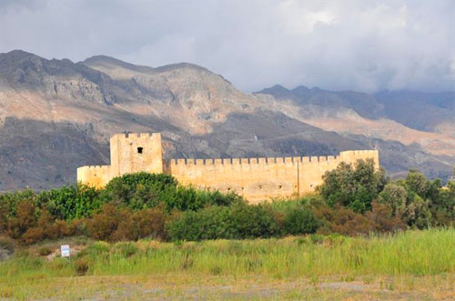 Крепость Франкокастелло